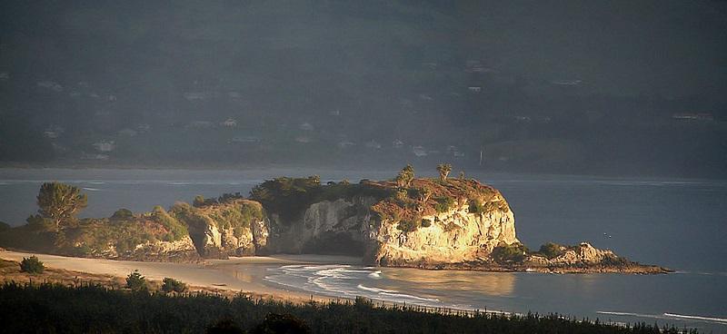 これは島だが、数年後には灯台かもしれない