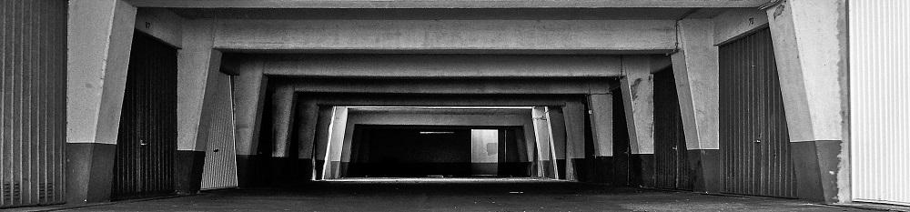 underground-car-park-839026_1920-min.jpg