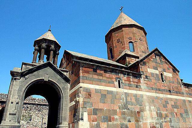 640px-Khor_Virap._Astvatsatsin_Church.jpg