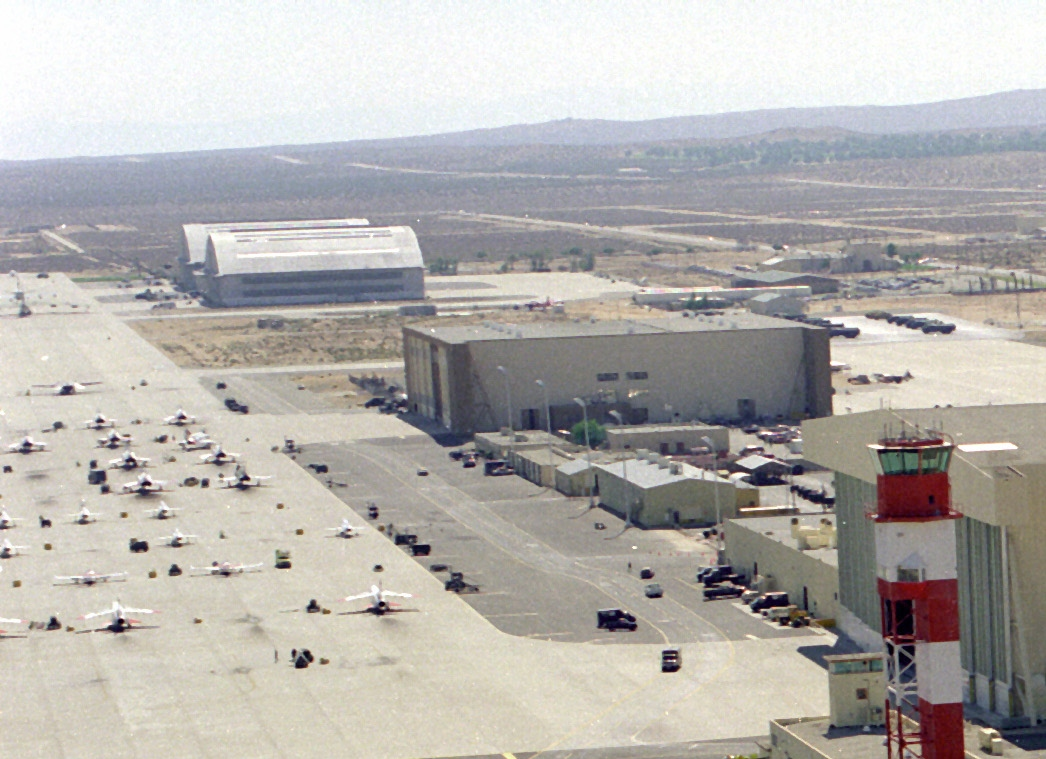 Edwards_AFB_control_tower.jpg