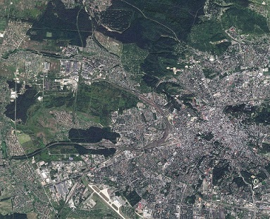 2048px-Lviv_City,_Ukraine,_Sentinel-2_satellite_image,_30-AUG-2017.jpg