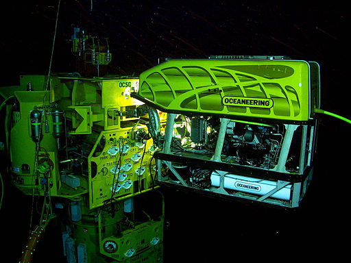 512px-ROV_working_on_a_subsea_structure.jpg