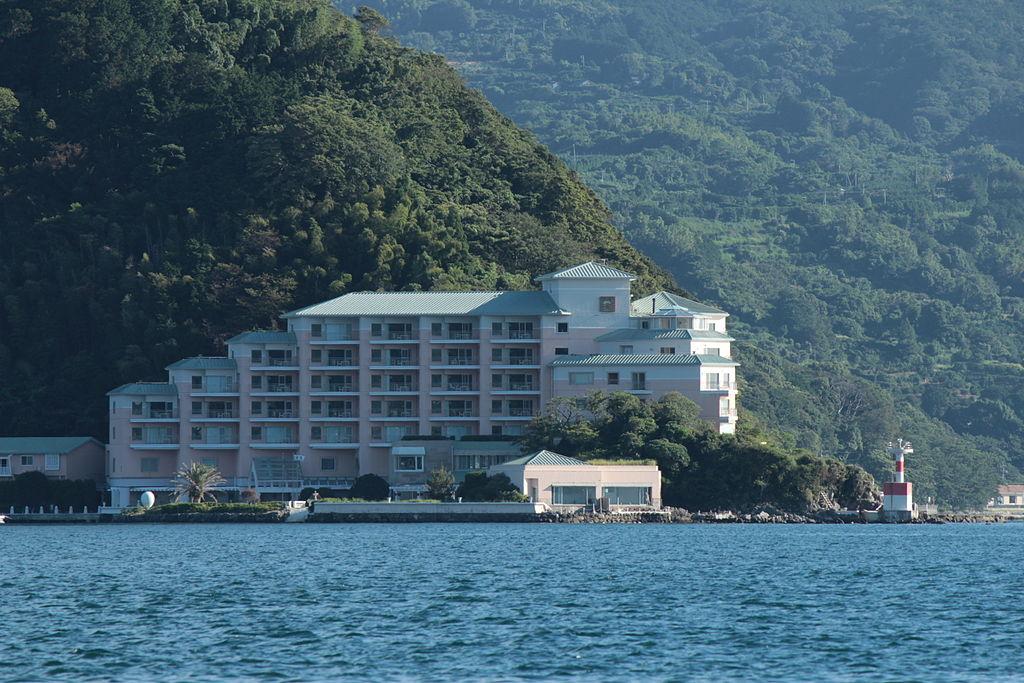 1024px-Awashima_Hotel_20120801.jpg