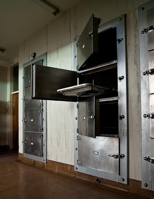 morgue2.jpg