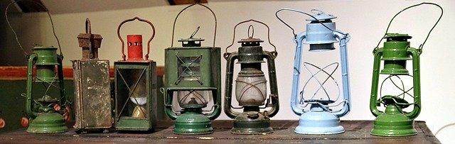 kerosene-lamp-2696645_640.jpg