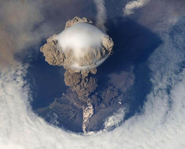 volcanic-eruption-67668_640.jpg