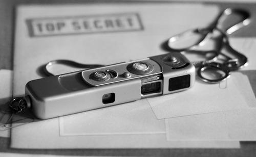spy-camera-1702973_1280.jpg