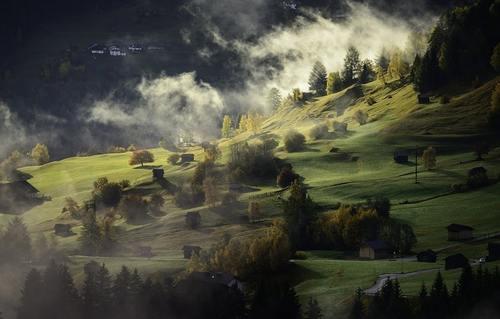 landscape-615429_1920-min.jpg